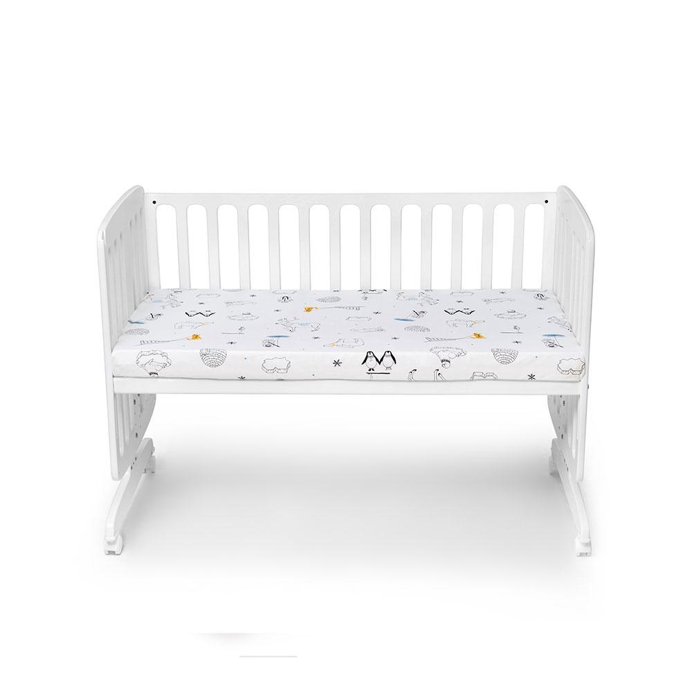 מיטת תינוק נצמדת